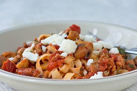pasta-mit-faschiertem-und-schafskaese.jpg