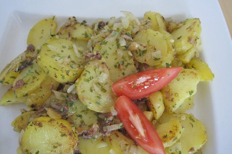 kroatische-kartoffeln-mit-gesalzenen-sardellen.jpg
