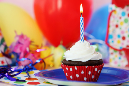 happy-birthday-cupcake.jpg