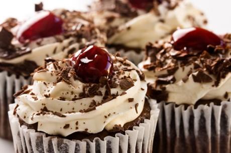 schwarzwaelder-kirsch-cupcake.jpg