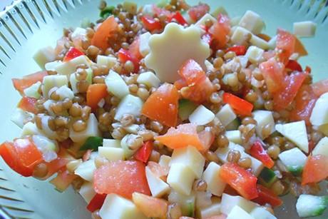 dinkel-kaese-salat.jpg