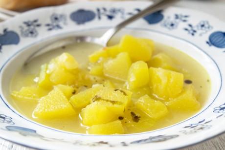 kuerbissuppe-mit-gruenkernschrot.jpg