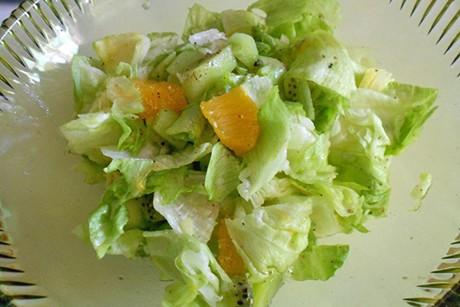 eisbergsalat-mit-fruechten.jpg