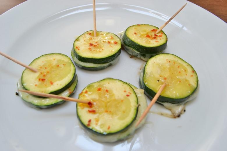 gegrillte-zucchini-mit-kaese.jpg