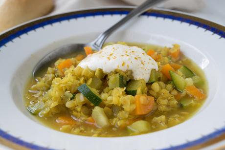 linsen-dal-mit-karotten-und-zucchini.jpg