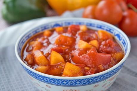 relish-mit-tomaten-und-aepfel.jpg