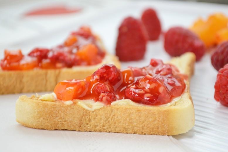himbeer-marillen-marmelade.jpg