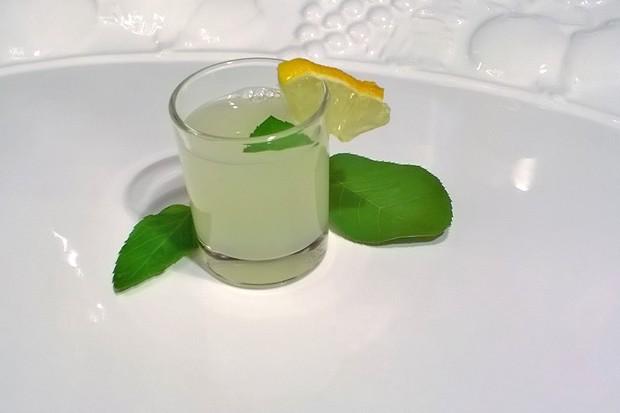 Gin Zitronen Shot