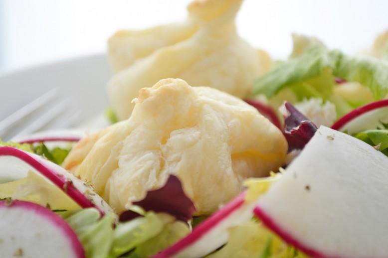 schafkaesesaeckchen-mit-salat.jpg
