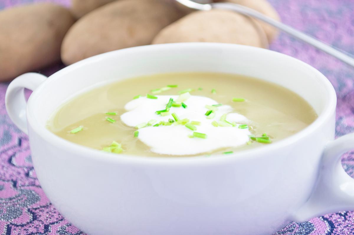 erfrischende-schnittlauch-erdaepfel-cremesuppe.jpg