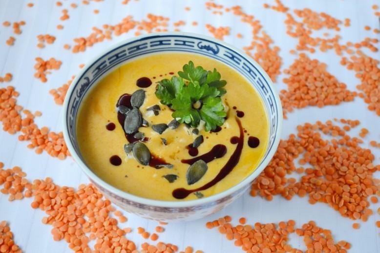 curry-kuerbiskernoel-linsensuppe.jpg