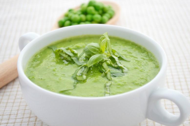 herzhafte-erbsen-basilikum-suppe.jpg