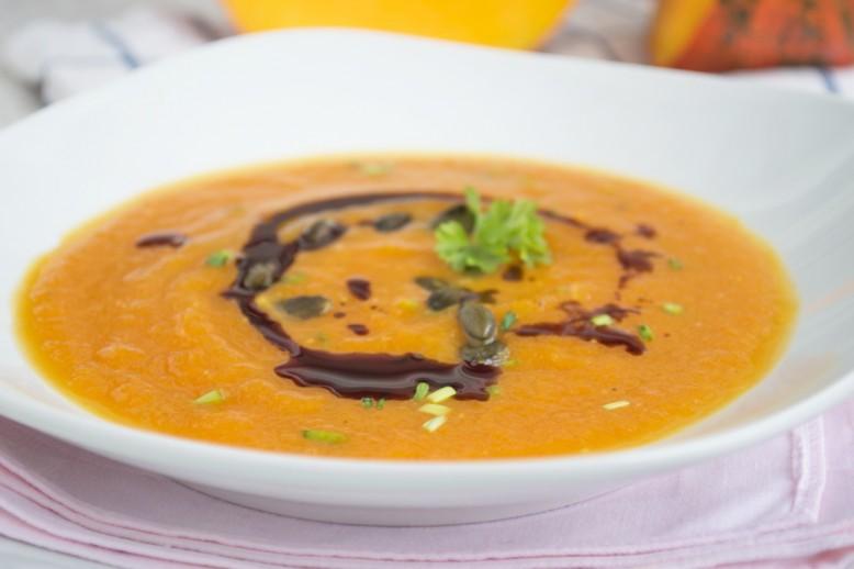 linsen-suppe-mit-kuerbis-und-kokos.jpg