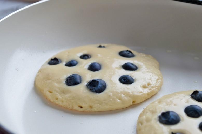 dinkel-heidelbeer-pancakes.jpg