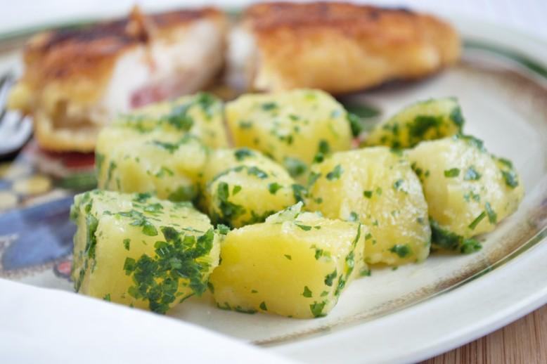 kartoffel-mit-petersilie.jpg
