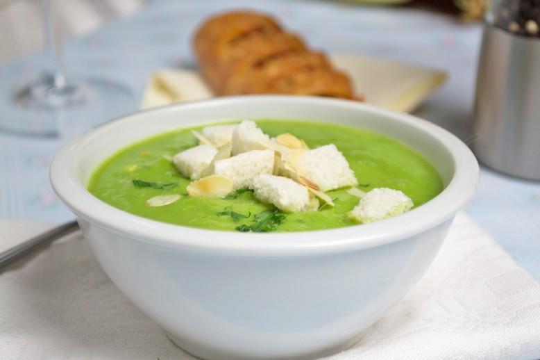 erbsen-minze-suppe.jpg