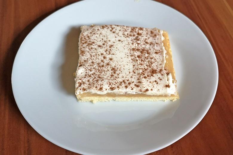 apfel-vanillepudding-schnitte.jpg