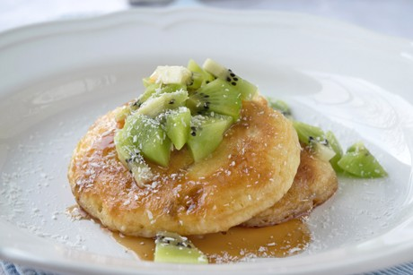 kiwisalat-auf-kokos-pancakes.jpg