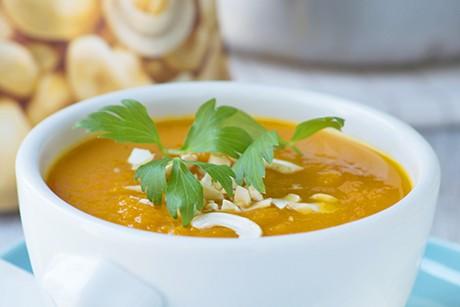 kuerbis-karotten-suppe-mit-hirse.jpg