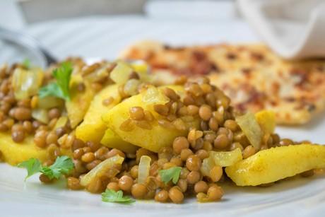 geduenstete-aepfel-mit-currylinsen.jpg