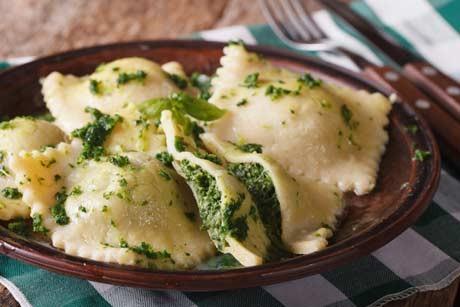 kartoffelravioli-mit-schafskaese-und-spinat.jpg