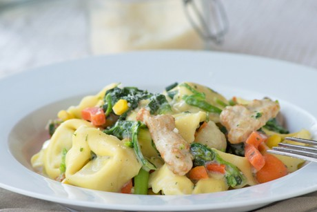 tortellini-gemuese-pfanne-mit-putenschnitzel.jpg
