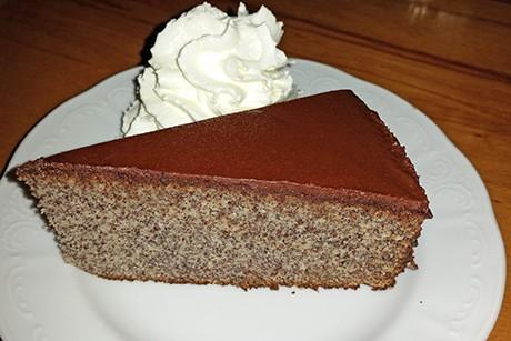 mohntorte-mit-milchschokoladenglasur.png