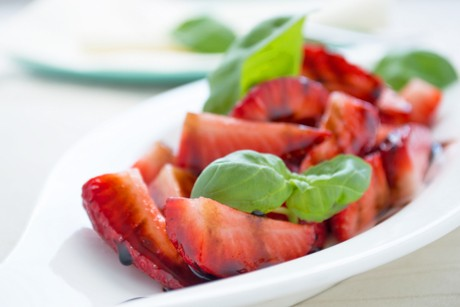 erdbeeren-in-balsamico.jpg