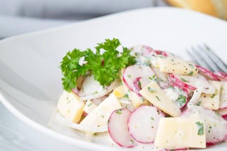 kaese-radieschen-salat.jpg