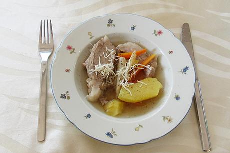 omas-steirisches-wurzelfleisch.png
