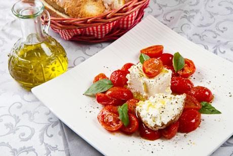tomatensalat-mit-schafkaese.jpg