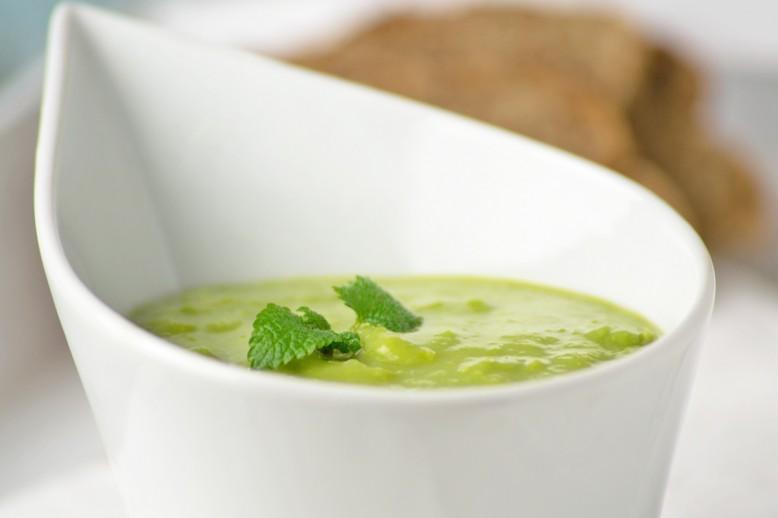 kalte-erbsen-suppe-mit-minze.jpg