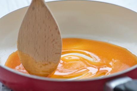 zucker-karamellisieren.jpg