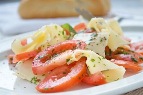 tomaten-kaese-salat.jpg