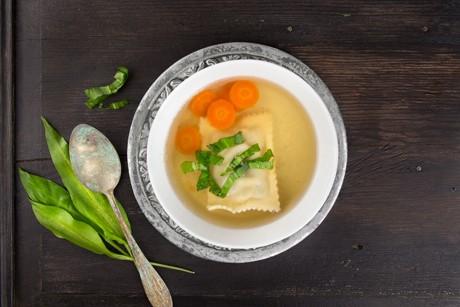 fruehlings-maultaschen-suppe.jpg