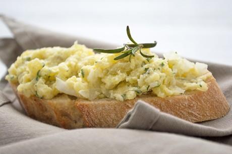 herzhafter-kartoffel-rosmarin-aufstrich.jpg