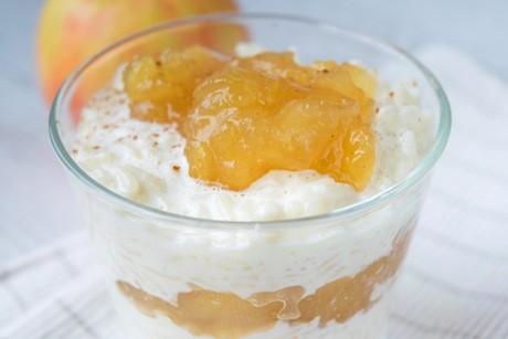milchreis-dessert-mit-apfel-zimt-kompott.jpg
