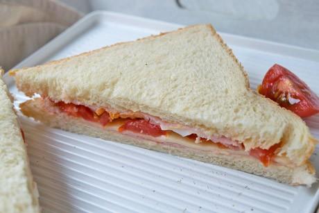 jausen-sandwich.jpg