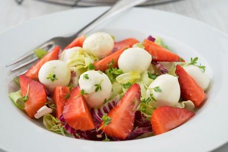 erdbeer-mozzarella-salat.jpg