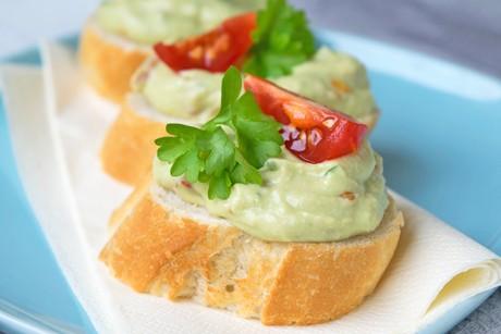 avocado-tomaten-aufstrich.jpg