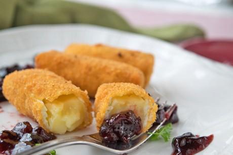 gebackener-camembert-mit-kirschenchutney.jpg