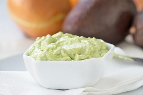 avocado-zwiebel-paste.jpg