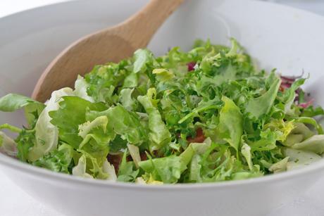 blattsalat-mit-deftigen-bierdressing.jpg