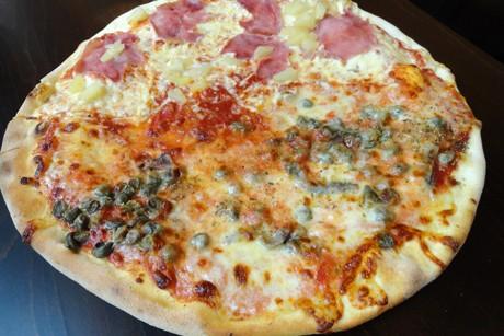 pizza-mit-sardellen-und-kapern.jpg