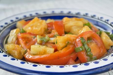 tomaten-ananas-salat.jpg