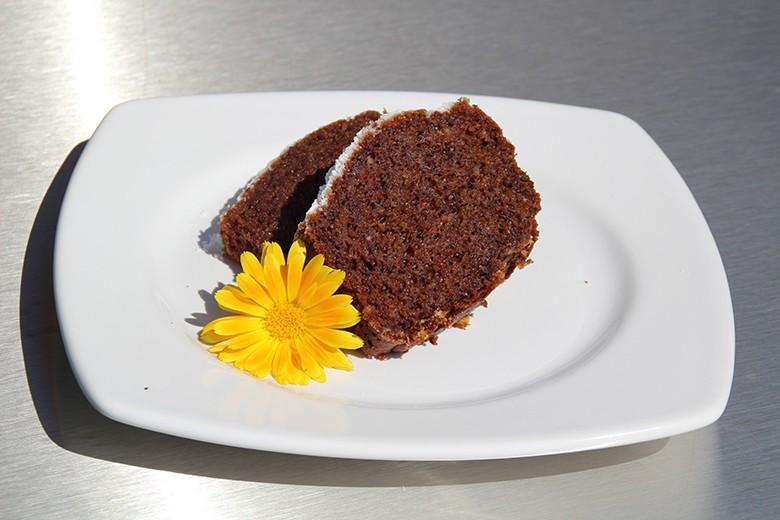 dinkel-kakao-kuchen-mit-mandeln.jpg