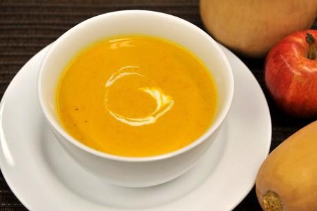 kuerbissuppe-mit-apfel.jpg