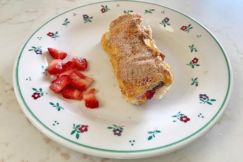 french-toast-rollen-mit-nutella-erdbeeren.jpg