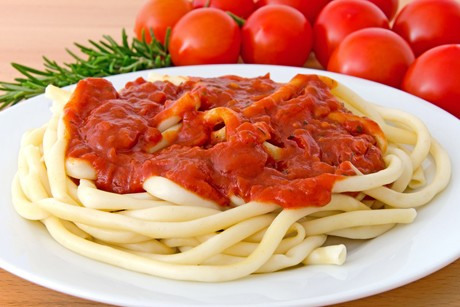 makkaroni-mit-tomatensosse.jpg