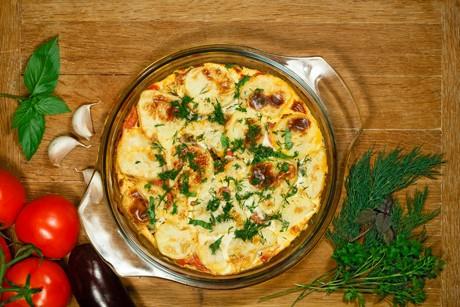 moussaka-mit-schafskaese.png